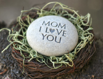 engraved gifts for mom