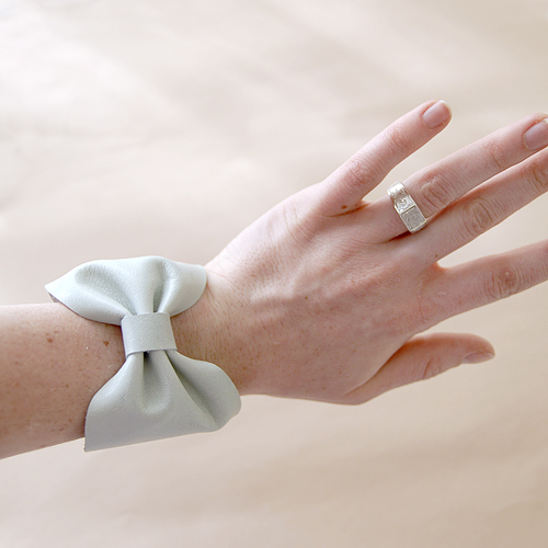 how to make a leather bow cuff