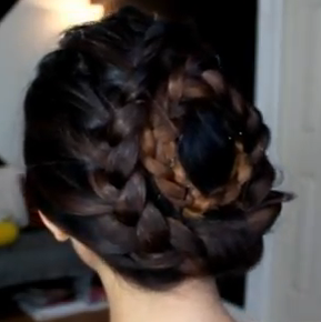 nesting holiday braid hair style for girls
