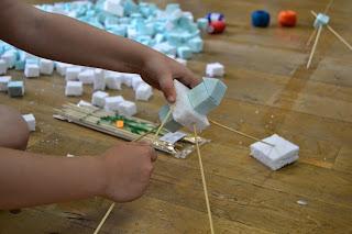 Asturias con niños: Taller de escultura en Grado el viernes
