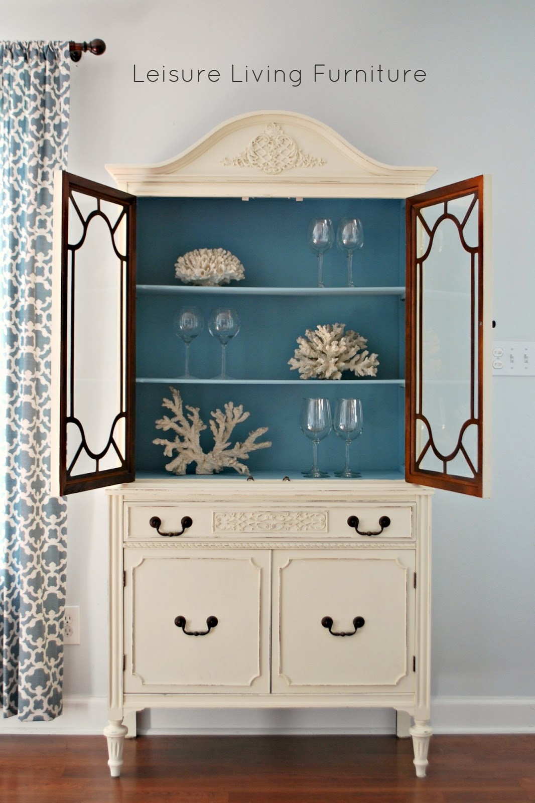 My Client Decided On Old White With A Blue Interior   Such A Fun Color  Combo, One Of My Favorites.