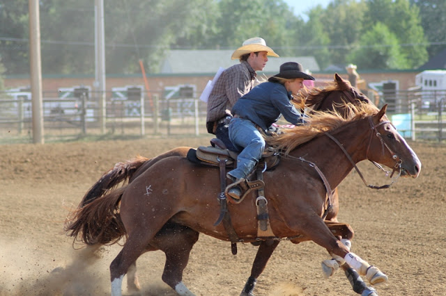 crepe paper race at Sheridan Elk's Youth Rodeo