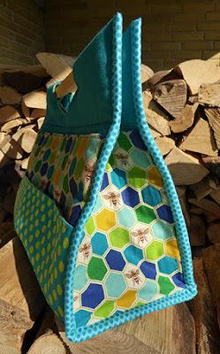En bred bund giver meget plads i den nye taske