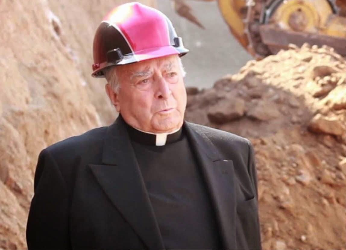 Padre Gregorio López Zárraga recibe doctorado honoris causa