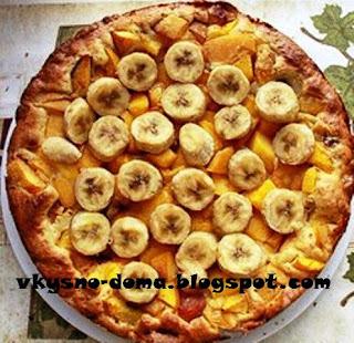 Пирог с персиками, нектаринами и бананами