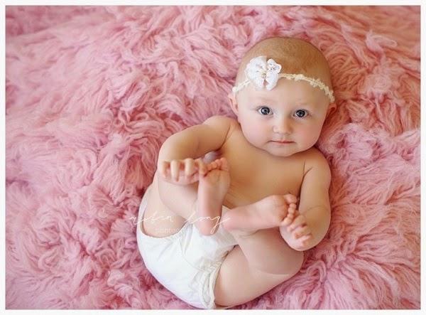 Bébé fille  trop mignon fond d'écran