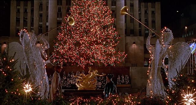 no quisiera morirme sin visitar en navidad nueva york y visitar el rbol del rockefeller center el que sale en slo en casa