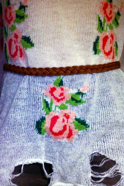 vintage rose white cardigan choies, choies review, vintage floral sweater choies, vintage floral cardigan choies, choirs blog review, floral knit sweater outfit, vintage sweater outfit