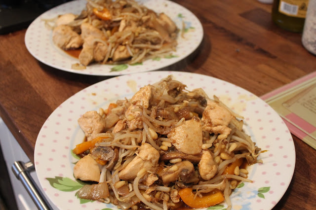 chicken stir fry using food leftovers