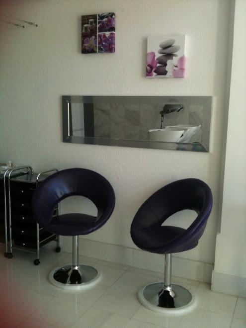 Salon de coiffure hairnails concept avec espace onglerie gel et resine - Concept salon de coiffure ...
