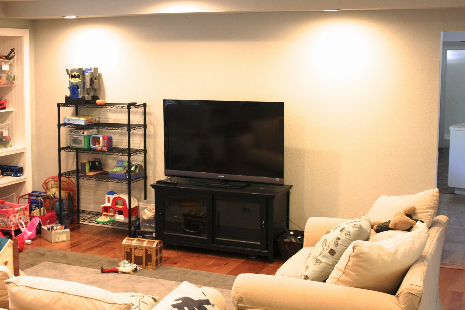 Home Improvement: organized playroom - california style