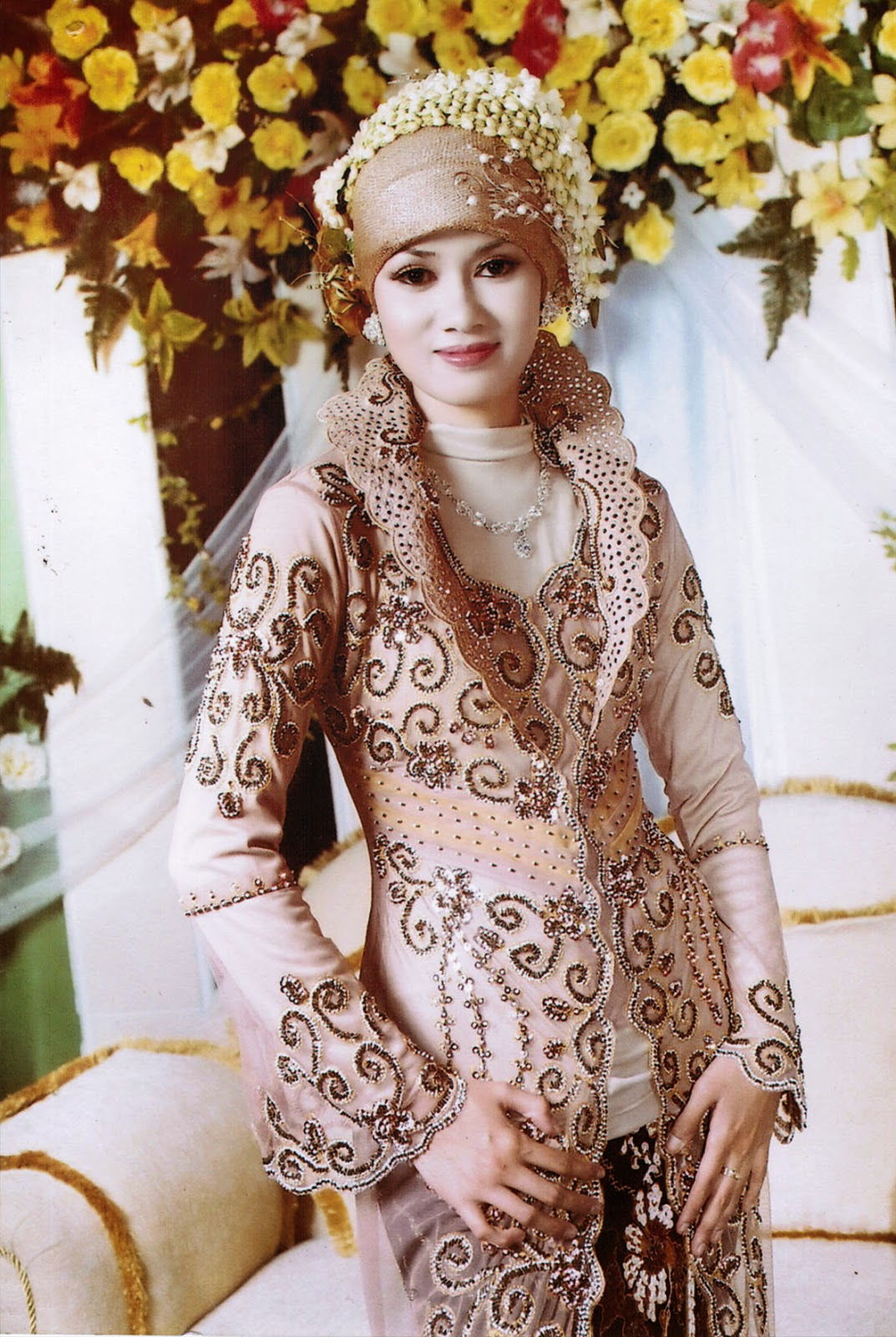 Gaun pengantin muslim modern model terbaru Gaun Pengantin Muslim Modern Model Terbaru