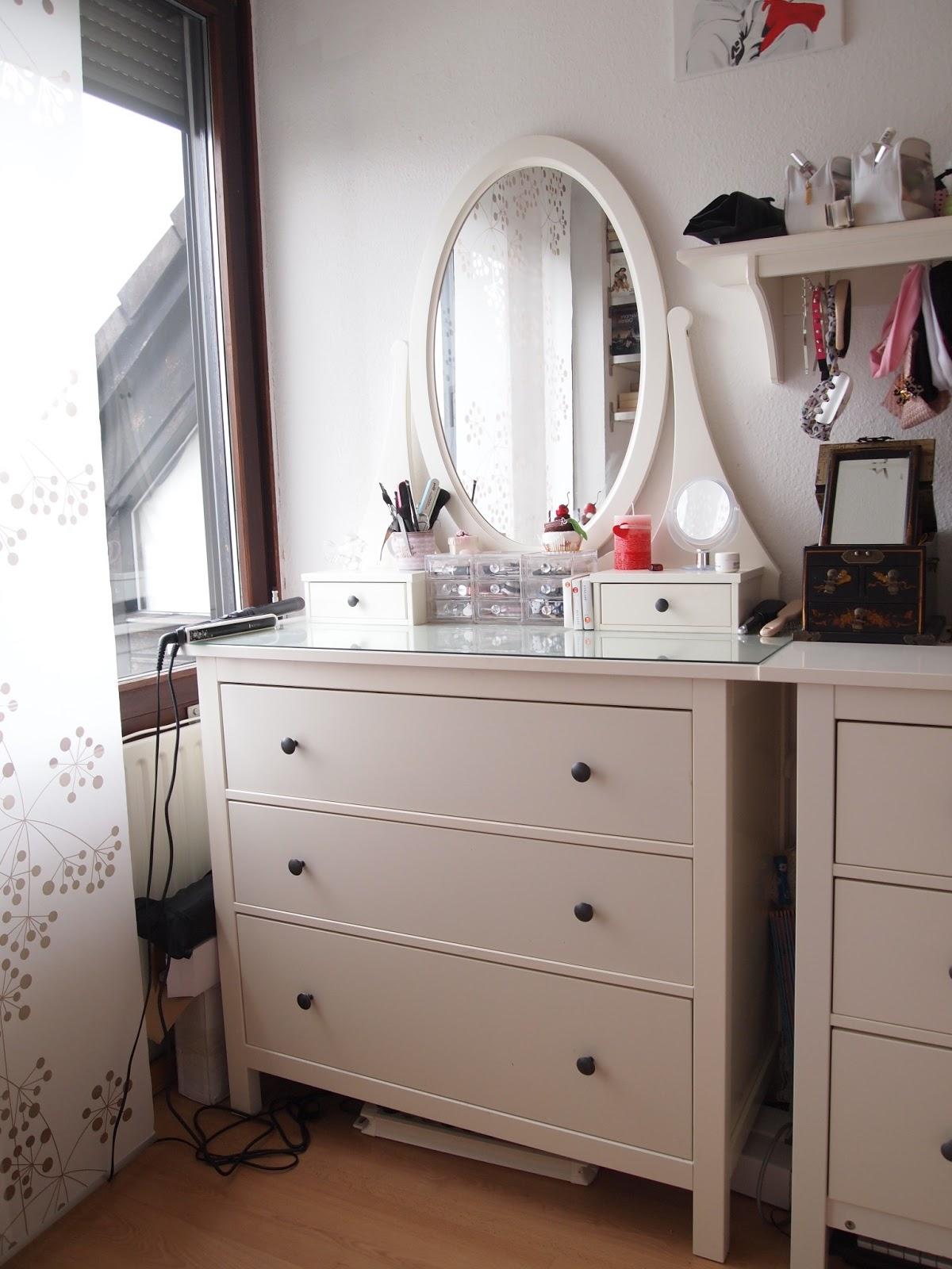 Frisiertisch ikea gebraucht for Schlafzimmer mit schminktisch