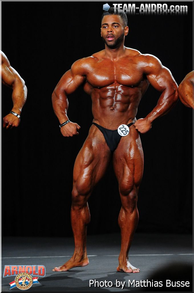 Fbb Monster Pecs http://worldwidebodybuilders.blogspot.com/2012/10/dutch-bodybuilder-jimmy-gomez-lima.html