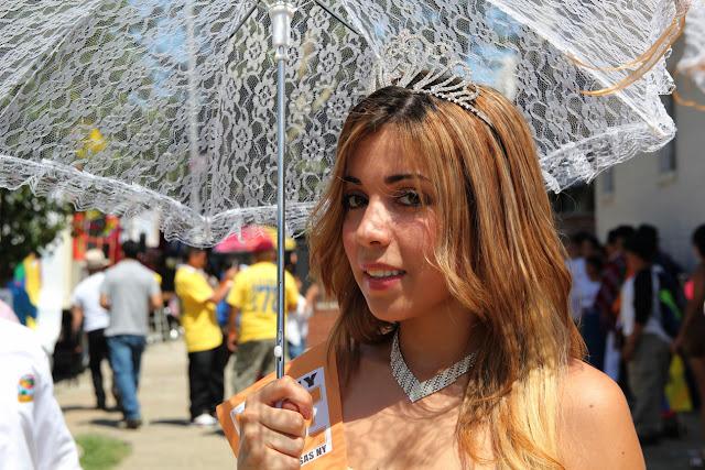imagenes del desfile ecuatoriano de Queens New York