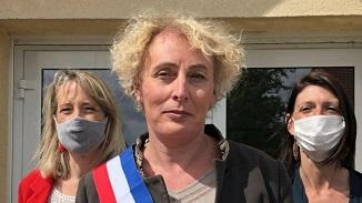 """În vreme de pandemie Franța """"alege bine"""": A fost ales primul primar transgender din țară..."""