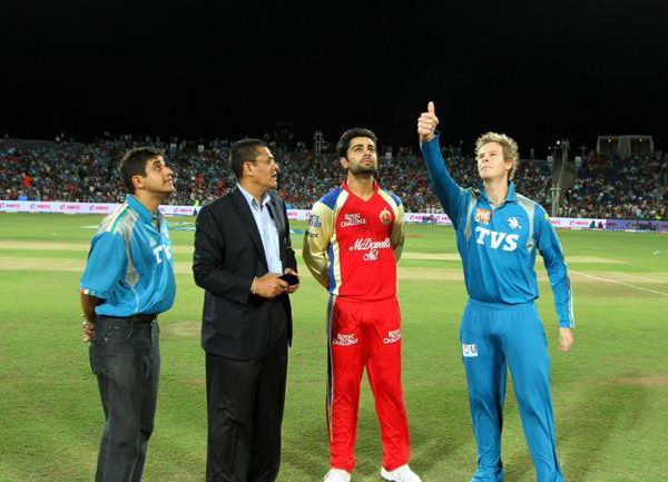 Match-57-Virat-Kohli-and-Steve-Smith
