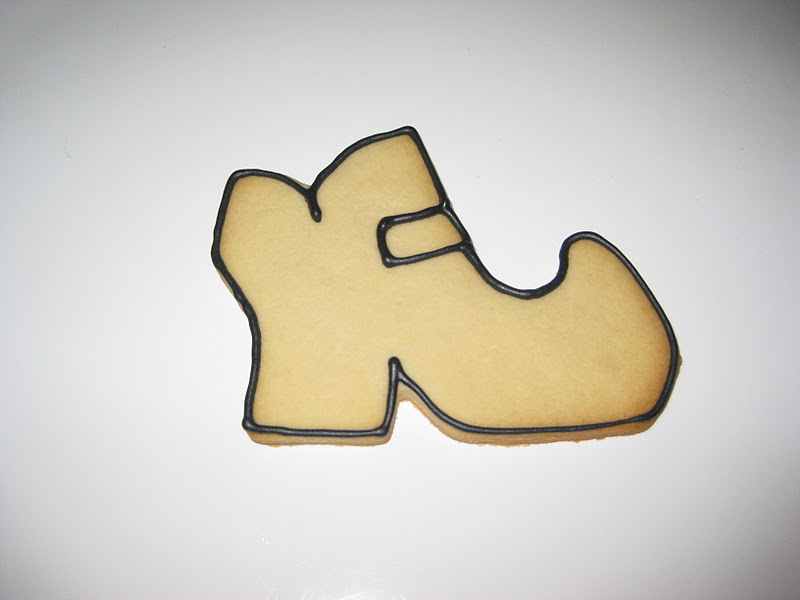 Shoe Outline Printable Take your witch shoe cookie