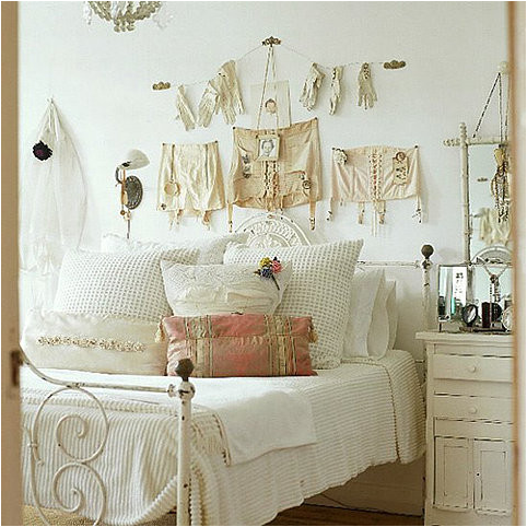 Vintage Bedroom Decorating Ideas