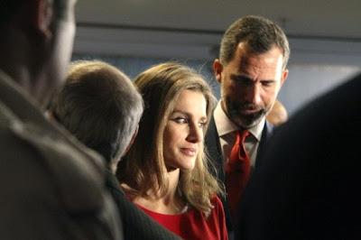 Prins Felipe en Prinses Letizia na de uitslag