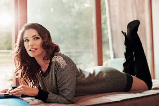 Kelly-Brook, New-Look, sexy, nude, modeuse, egerie-glamour, modeuse-londonienne, fashion, fashion-woman, fashion-blogger, blogger, blogueuse-mode, esprit-mode, trendy, casual, glamour, intemporelle, signature, femme-active, working-girl, elegance, du-dessin-aux-podiums, fall-winter, automn-winter, automne-hiver, collection, womenswear, mode, mode-femme, dimension-esthetique