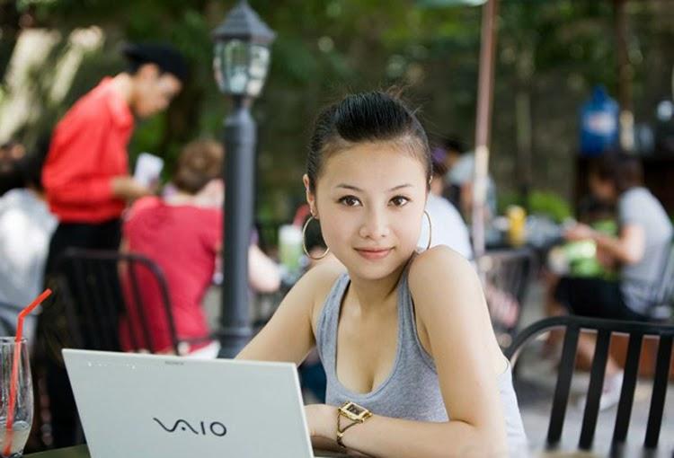 Hot girl Elly Trần và Trang Jolin