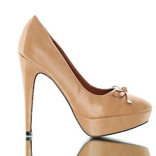 Czas an buty. Czółenka zmysłowe i wytworne w kolorze camel
