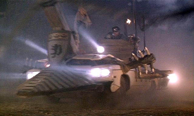 http://4.bp.blogspot.com/-kSWwCx5UGJE/Tl53EORZzPI/AAAAAAAAAas/yvtuxV-MtpA/s1600/army-of-darkness+car.jpg