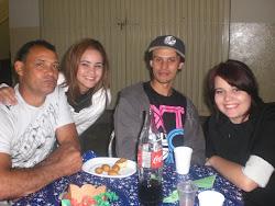 Vô Carlinhos, tia Thais, Tio Marcinho e tia Larissa