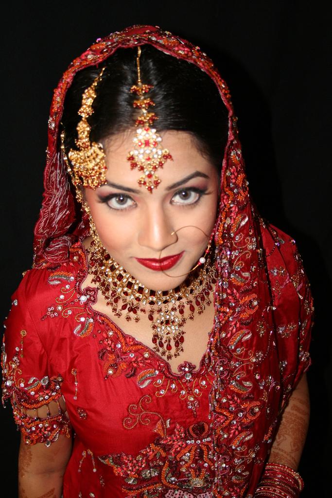 Online Sarees  Indian Saree Online  Saree in USAUKCANADA