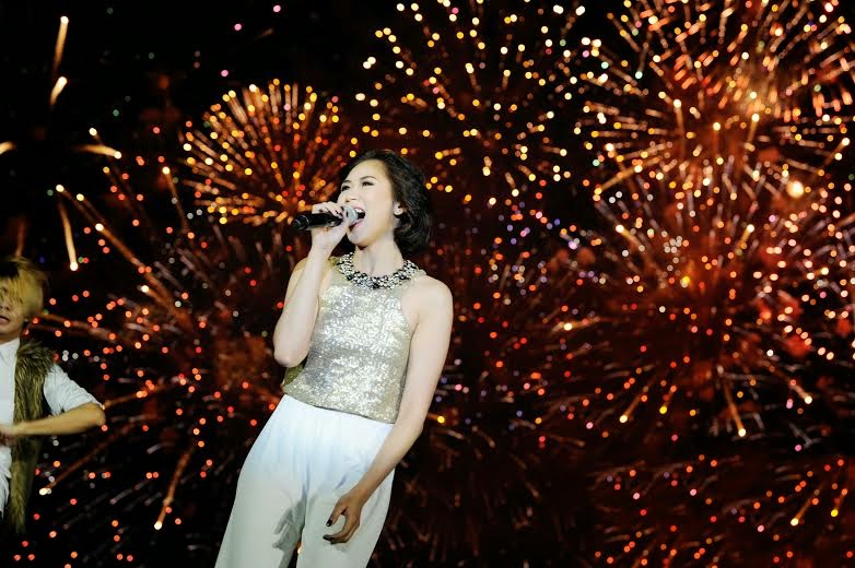 Sarah Geronimo wows spectators of 5th Pyromusical International Competition