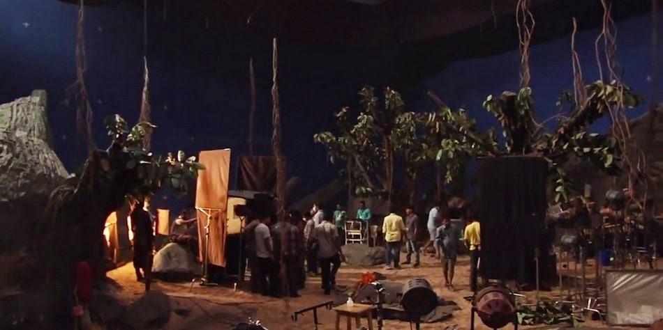 Prabhas Bahubali Movie Working Stills | Prabhas Bahubali HD Photos | Bahubali Movie Prabhas Photos | Prabhas Bahubali Photos Free Download