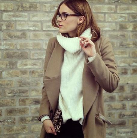 Sara Strand Camel Coat Trend Street Style