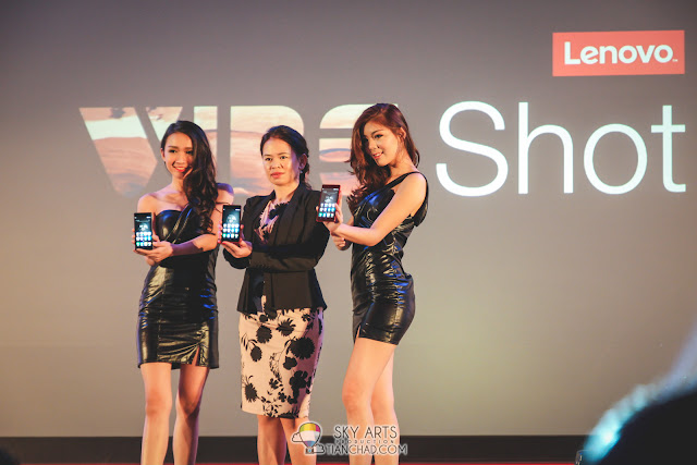 Foo Mun Yee, Country Lead, Lenovo Smartphone, Malaysia showcasing the Lenovo VIBE Shot together with two models