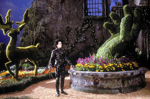 Edward aux mains d'argent (Edward Scissorhands). Réalisé par Tim Burton (1990). Twentieth Century Fox. / Photofest. © Twentieth Century Fox
