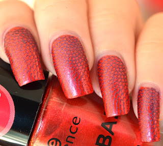 http://lenas-sofa.blogspot.de/2015/06/essence-arriba-04-red-corazon.html