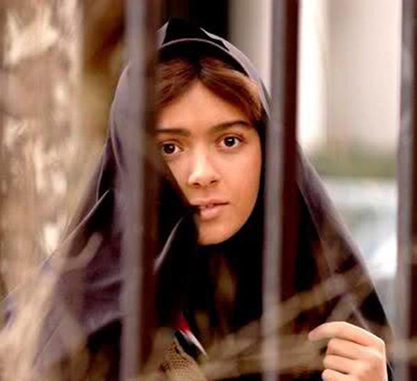 """""""Phá trinh"""" nữ tử tù trước khi hành hình ở IRAN"""