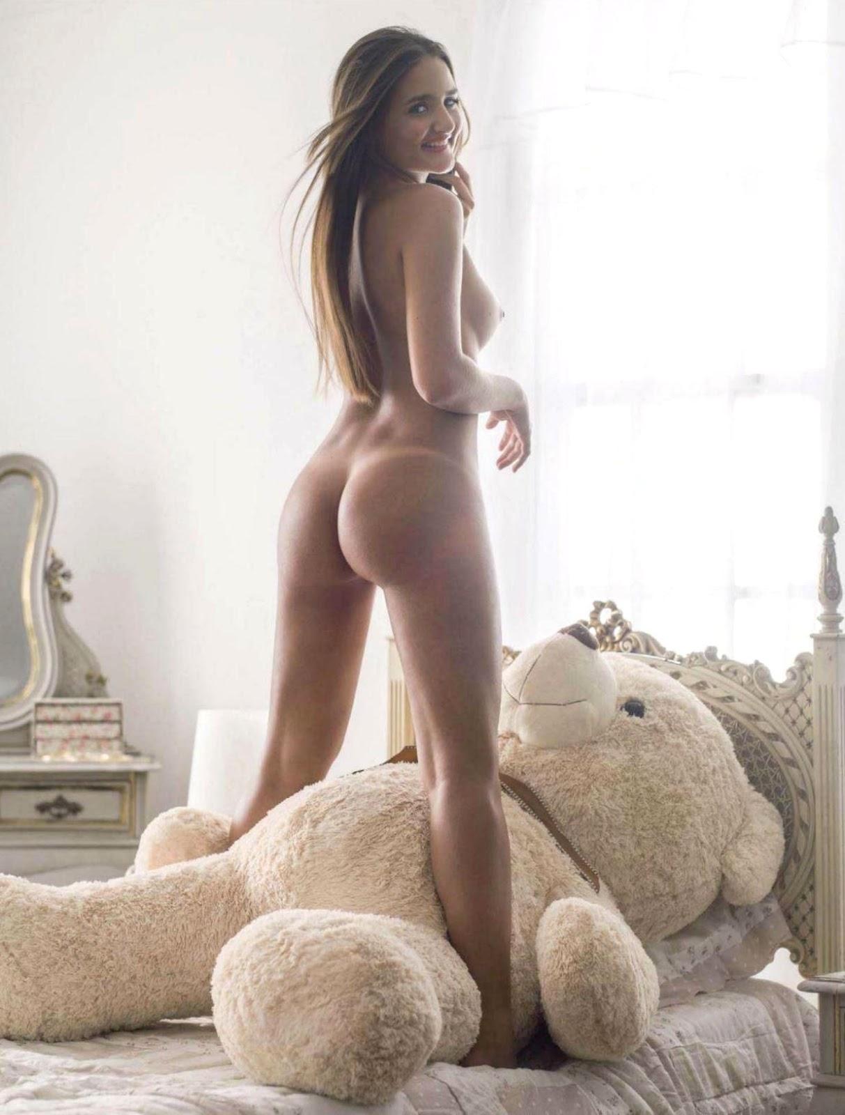 Pelada Virgem Que Leiloou A Virgindade Nua Na Playboy Novinha E