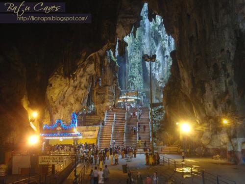 Batu Caves Selangor, Tempat menarik di Selangor, Aktiviti yang boleh dibuat di Batu Caves, Pemandangan di Batu Caves, Poskad Tempat Menarik Di Malaysia, Poskad Batu Caves, Gambar Kuil Batu Caves