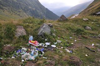 śmieci w górach