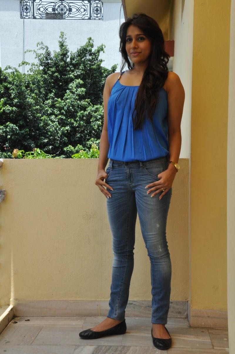 Rashmi Gautam new glam pics-HQ-Photo-19