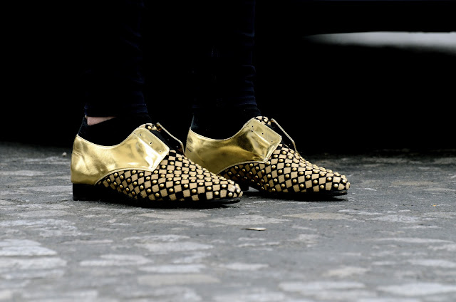 Gold shoes street style