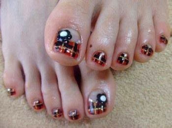 acrylic toe extensions; LED polish color up tartan design with hand made acrylic 3D flower feats manicure LED polish  Gel-Nails-Polish-LED-Polish-LED-Nails-Acrylic-Nails-Nail-Art Feats