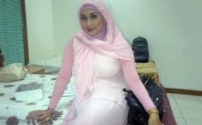 Foto telanjang sefti-sanustika 9