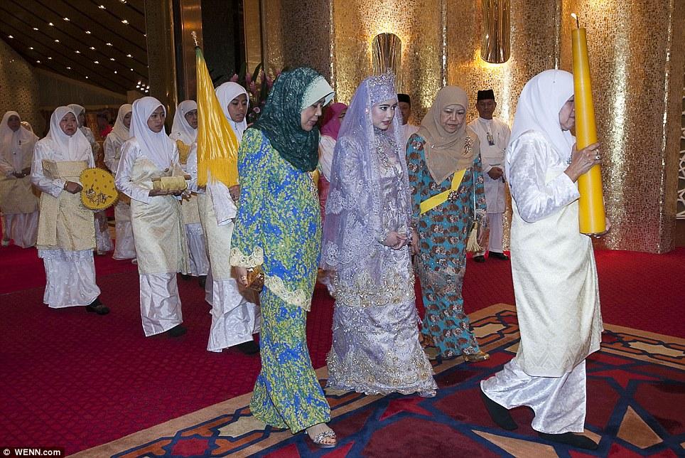 Ohsenyum : 8 Gambar Majlis Perkahwinan Anak Perempuan Sultan Brunei