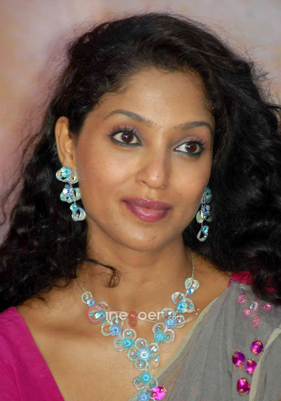 Suman Ranganathan Hot Stills