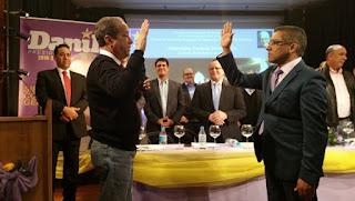 Marcos Cross es proclamado nuevamente a diputado por Europa.