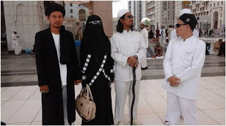 http://dayahguci.blogspot.com/2015/11/nabi-palsu-hadasari-muncul-imam-mahdi.html