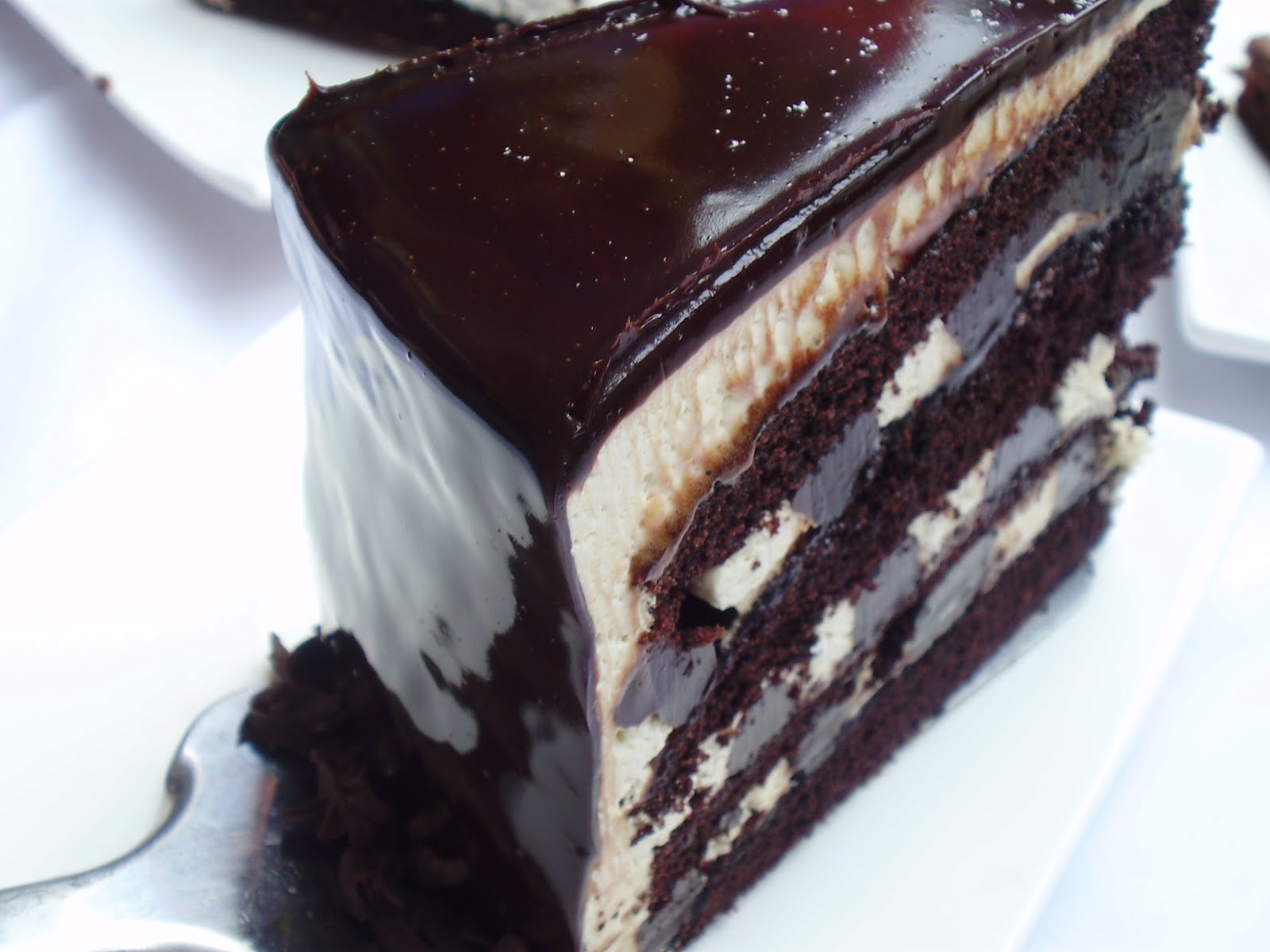 KELAS RUSSIAN BLACK WHITE CAKE
