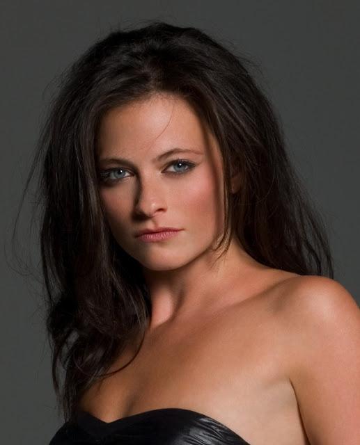 Laura Pulver